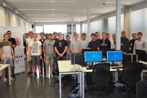 Gruppenbild der 20 Informatik-Schüler